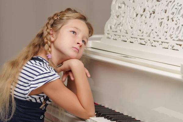 Wenn Kind Klavierlehrer nicht mag