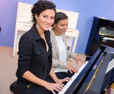 Wie schnell lernt man Klavier spielen